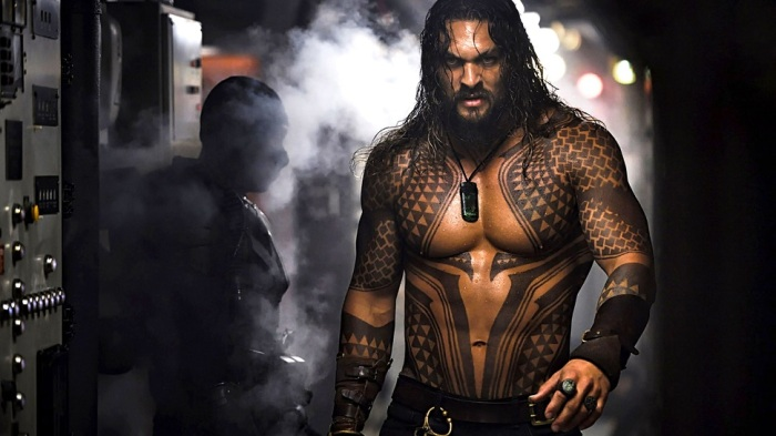 jason-momoa-in-aquaman-2018-kp-1360x768