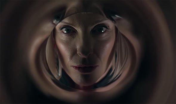 Velvet-Buzzsaw-Netflix-Toni-Collette-2.jpg