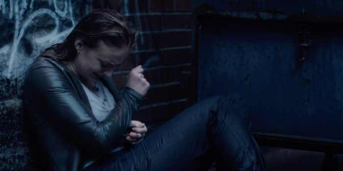 Sophie-Turner-as-Jean-Grey-crying-outside-in-X-Men-Dark-Phoenix