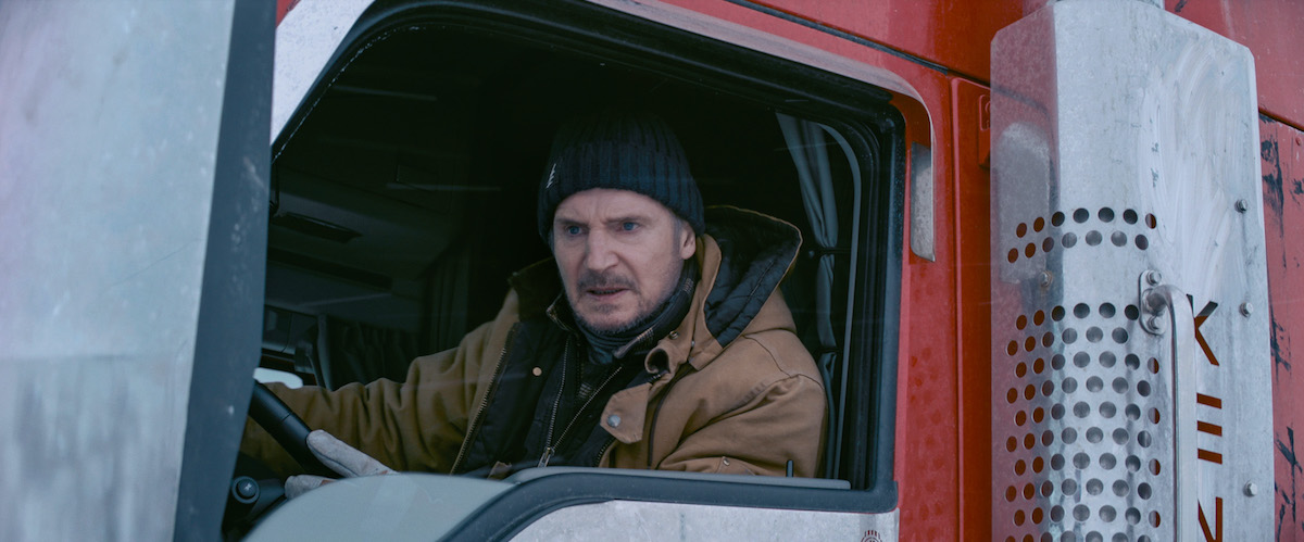 the-ice-road-movie-review-2021